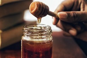 Avoid giving honey to a baby